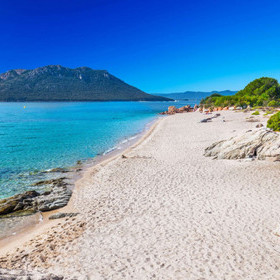 CORSICA CAPTIVATES THE BA-MAGINATION