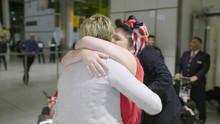 Lisa and Hayley reunion