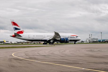 British Airways' 25th Boeing 787 Dreamliner arrives at Heathrow (5)