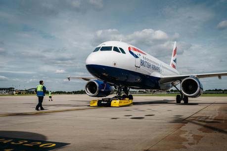Mototok pushes back an aircraft at Heathrow T5