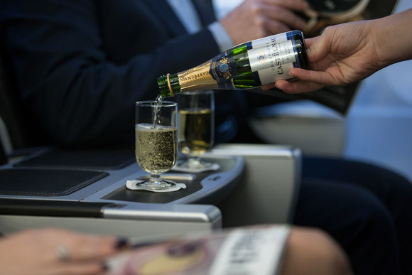 British Airways  Champagnes : Top 5 Airlines With the Best Wine Lists by One world Alliance